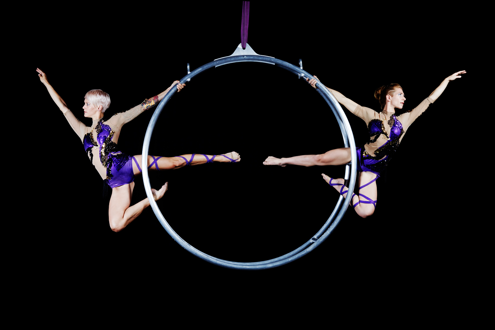 Ingrid_Irene_Hoop_01_094_Final_Color