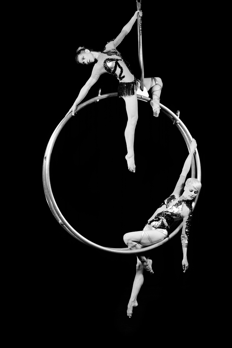 Ingrid_Irene_Hoop_01_122_FInal_BW